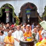 Srila-Prabhupada-Vyasa-Puja-2013-27