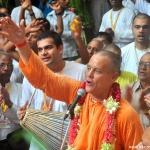 Srila-Prabhupada-Vyasa-Puja-2013-33