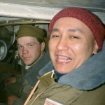 009 Мурари-Кришна дас под бронёй БТР в Чечне