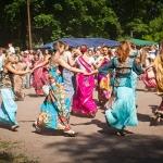 127 Танцы на свежем воздухе, в жару