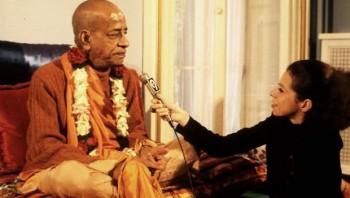 Шрила Прабхупада даёт интервью
